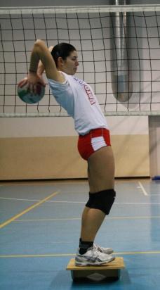 Esercizio di ricerca e mantenimento equilibrio con palla