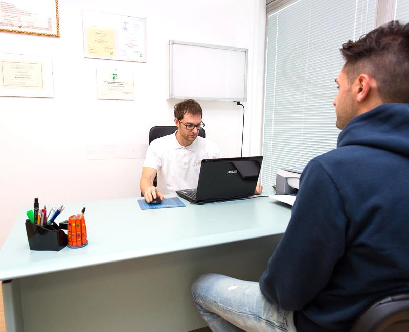 Ascolto della persona e formulazione diagnosi per fisioterapia