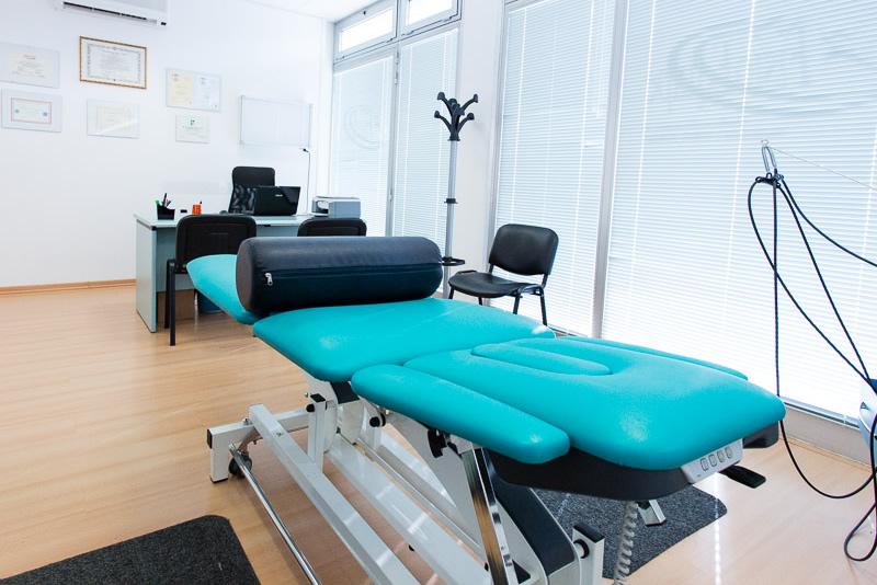 Lettino FisioEquipe fisioterapia e manipolazione fasciale